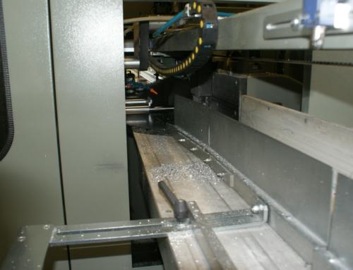 01.08.2009 – Installation einer vollautomatischen Zuschnittanlage, Umzug der Alu-Haustürenfertigung in die neuen Produktionsräume in der  Hartwig-Mildenberg-Straße 8